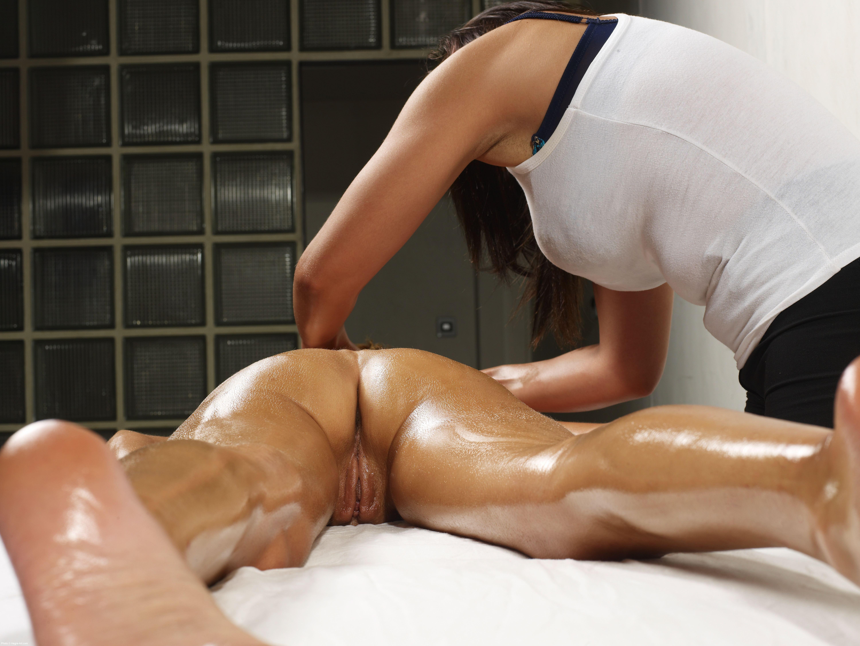 Эротические масляные массажи 2 фотография