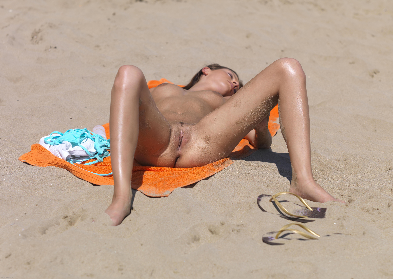 видео бабы на пляже-ро2