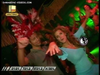 Flavia bailando con Marley
