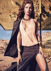 14196614_GUESS_By_Marciano_Holiday_2012_Campaign_3.jpg