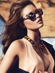 14196618_GUESS_By_Marciano_Holiday_2012_Campaign_6.jpg
