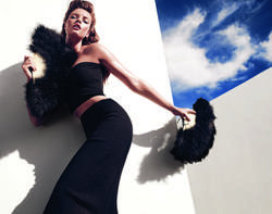 14196622_GUESS_By_Marciano_Holiday_2012_Campaign_8.jpg
