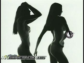 el culo y tetas desnudas de Denise Dumas damageinc