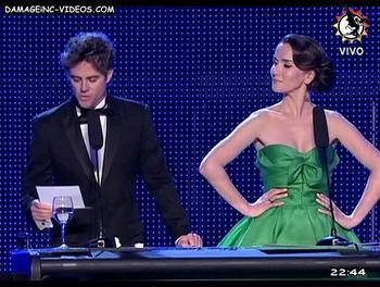 La Oreiro en vestido verde en los Martin Fierro