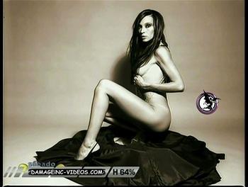Culo y tetas desnudas de la modelo Ana Paula Dutil