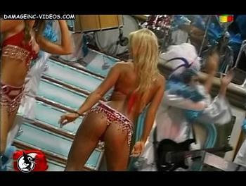 Jesica Cirio twerking in bikini