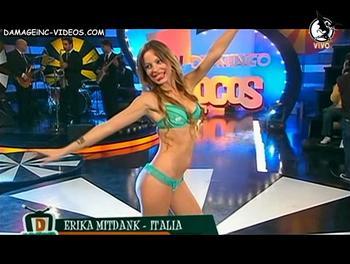 Erika Mitdank sexy in bikini